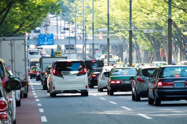 大きな道路沿いの騒音対策はこれ!賃貸OKの安くて手軽な対策[5選]