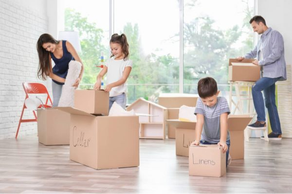 約4割の転勤族がマイホーム購入に後悔…家を買うタイミングや場所は?